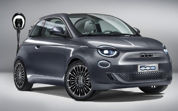 Fiat 500.  - FIAT