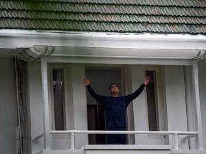 Begini Kegiatan Gubernur DKI Jakarta Anies Baswedan saat Jalani Isolasi Mandiri
