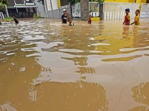 Buruknya Drainase Membuat Sebagian Wilayah Serang Banten Terendam Banjir