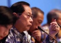 Presiden Direktur PT Bank Central Asia Tbk. (BCA) Jahja Setiaatmadja memberikan penjelasan pada paparan kinerja keuangan kuartal I/2019, di Jakarta, Kamis (25/4/2019)./Bisnis-Nurul Hidayat