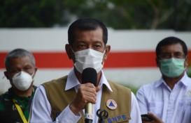 Tinjau Erupsi Semeru, Segini Bantuan dari Doni Monardo