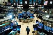 Adu Kuat Sentimen, Wall Street Ditutup Variatif Usai Cetak Rekor