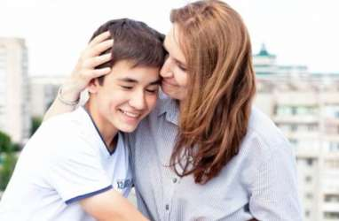 Ini 6 Cara Membesarkan Anak Menjadi Penyayang