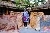 Pertamina Dampingi UMKM Hingga Go Modern, Yuk Baca Cerita Yuli Astuti Pahlawan Pelestari Batik Kudus dari Kepunahan