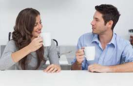 Benarkan Pasangan Kelas Menengah Lebih Empati Dibandingkan Pasangan Kaya?