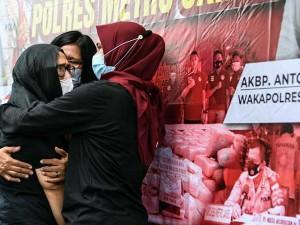 Mantan Penyanyi Cilik Ratna Fairuz Albar Ditangkap Polisi Terkait Penyalahgunaan Narkoba
