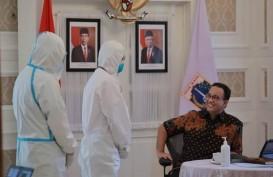 Positif Covid-19, Foto Anies Berbaju Batik Tanpa Masker Tuai Kritik