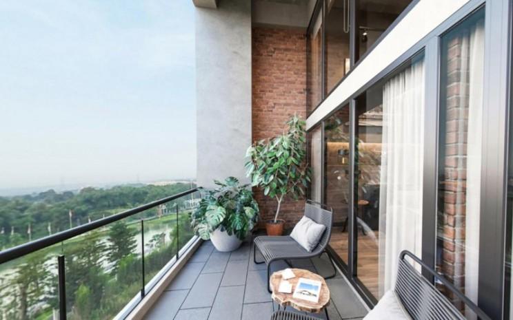 Ilustrasi. Balkon di salah satu unit SOHO New York, Cikarang. PT Mahkota Sentosa Utama atau Meikarta kembali memasarkan produk SOHO, produk properti yang memadukan kebutuhan hunian dan bekerja sekaligus dalam satu tempat. - meikarta