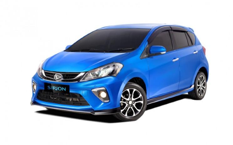 Daihatsu Sirion tersedia dalam lima pilihan warna, dengan dua pilihan warna terbaru yang cocok untuk anak muda dan sesuai dengan tren terkini, yaitu Electric Blue Metallic dan Granite Gray Metallic. - Bisnis.com