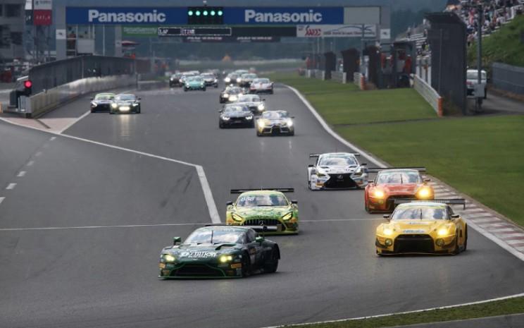 Hankook telah muncul sebagai penggerak perkembangan bidang motorsport dunia, dengan menjadi mitra resmi ban mobil balap bagi lebih dari 50 kompetisi dan tim olahraga bermotor di seluruh dunia.  - Hankook \\r\\n\\r\\n