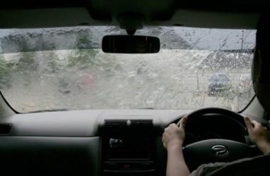 Siap-Siap, Hujan Bakal Guyur Jakarta Hari Ini, Senin (14/12/2020)