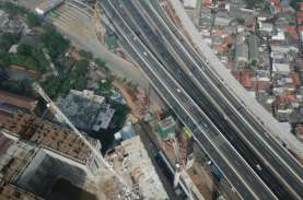 Luhut Sanjung Kereta Cepat Jakarta-Bandung Simbol…