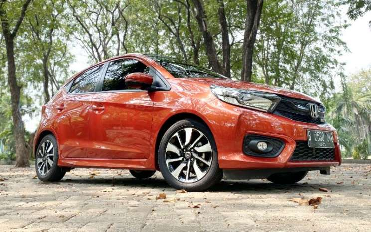 Honda Brio RS. Model city car ini termasuk yang terkena recall di Indonesia.  - HONDA