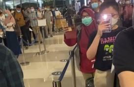 Hotman Paris Sindir Bos Bandara Soekarno-Hatta: Bayar Rp1,5 Juta, Antre Sejam
