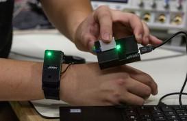 PEMBAYARAN ELEKTRONIK :  Transaksi Digital Cukup dengan Sentuhan