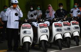KENDARAAN RAMAH LINGKUNGAN : Sepeda Motor Listrik Melaju