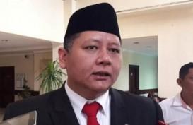 Wishnu Sakti Pelaksana Tugas Wali Kota Surabaya, Paripurna Terganjal Liburan