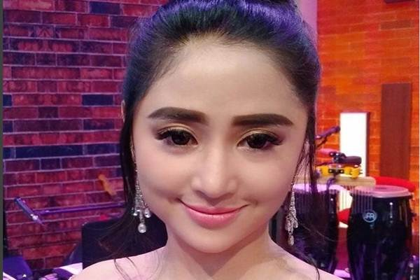 Dewi Persik - Instagram