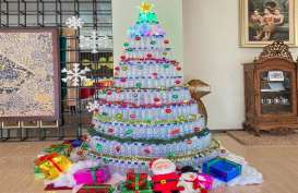 Pohon Natal Istimewa di Hotel Horison Nindya Semarang
