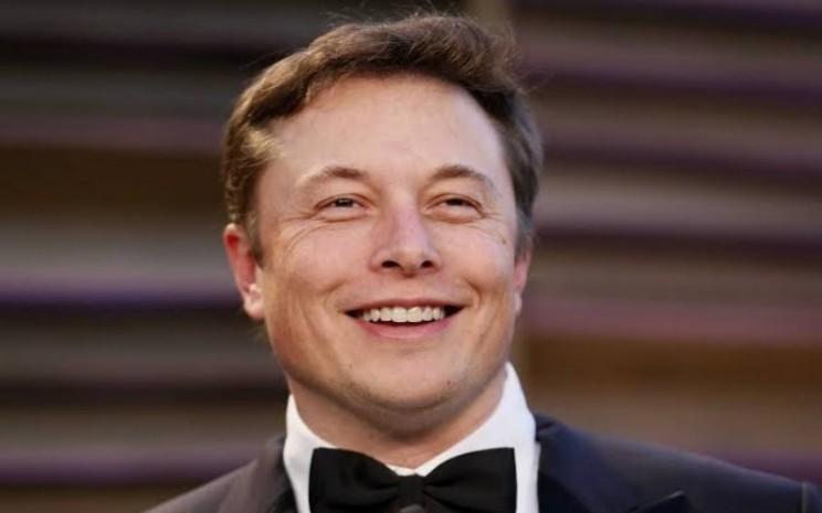 Elon Musk. Lonjakan harga saham menciptakan jutawan di antara investornya, dan mendorong Musk menjadi orang terkaya kedua di dunia.  - Bloomberg