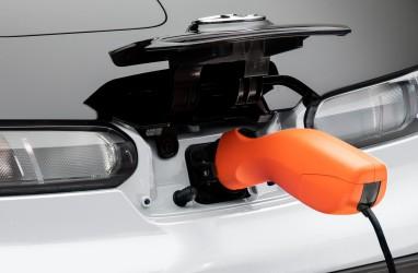 Akomodasi Kritik Pabrikan, Jepang Hapus Mobil Bensin 2030
