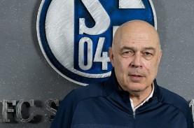 Christian Gross Pelatih Baru Schalke 04 Gantikan Manuel…