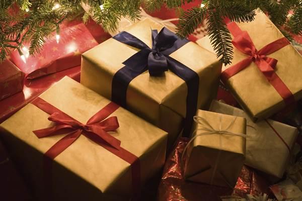 Hadiah Tahun Baru kepada orang terkasih bisa mengobati kerinduan saat tidak bisa bertemu ketika pandemi.  - inspiringintens.com