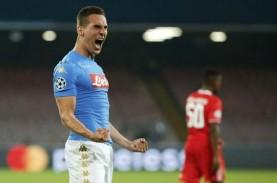 Pemain Napoli Arek Milik Berseteru dengan Klub, Ini…
