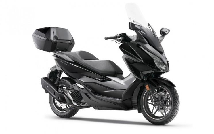Honda Forza 125.  - Honda