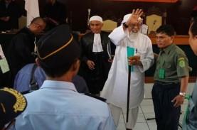 Abu Bakar Baasyir Bebas Jumat, Keluarga Batasi Kunjungan…