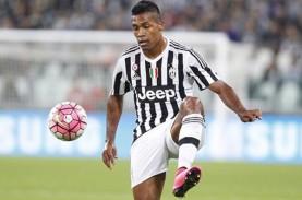 Setelah CR7, Bek Juventus Alex Sandro Positif Covid-19