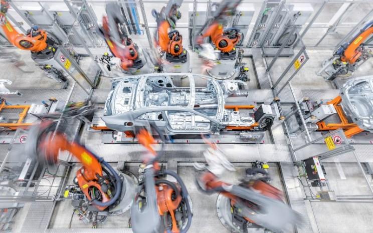 Pabrik mobil Audi AG. Sertifikat Rantai Penelusuran ASI membuktikan bahwa pabrik press Audi memproses dengan benar, menyortir dan melacak bahan bersertifikat, dan sebagai akibatnya, segel kualitas selalu terjaga.  - Audi AG