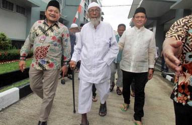 Abu Bakar Ba'asyir: Buruan Orde Baru, Dipenjara SBY, Bebas di era Jokowi