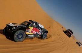 Carlos Sainz & Lucas Cruz Kembali Finis Tercepat Etape Reli Dakar