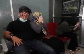 Foto-foto Aktivitas di Bandara Supadio, Keluarga Datangi Crisis Center