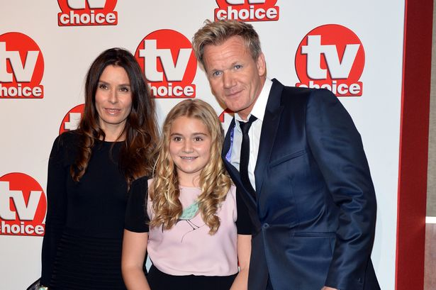 Gordon Ramsay (kanan) bersama anak dan istrinya. - Wales Online
