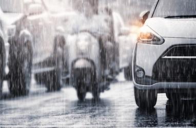 Cuaca Jakarta 10 Januari Berpotensi Hujan Petir pada Siang Hari