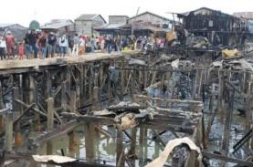 Kompleks Inhutani Kebakaran, Diawali Pertengkaran…