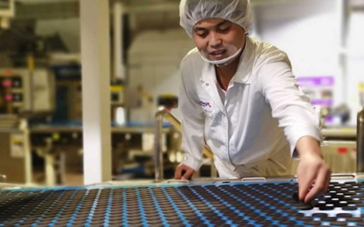 Mondelez International adalah grup pabrikan minuman, biskuit dan kue kering, cokelat, permen karet, hingga makanan camilan. Salah satu merek produk yang cukup dikenal ada Oreo.  - Modelez