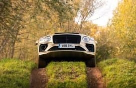Bentley Bentayga V8 Dapat Gelar SUV Mewah Tahun Ini