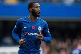 Milan Bersaing dengan Newcastle Dapatkan Bek Chelsea