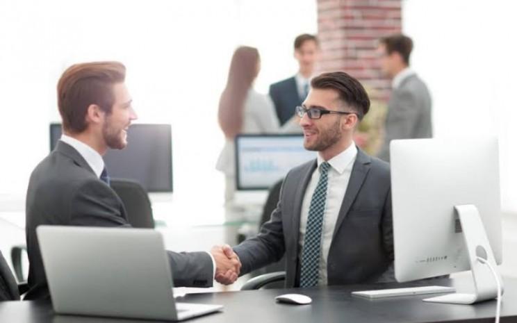 Entrepreneur sedang negosiasi - ilustrasi