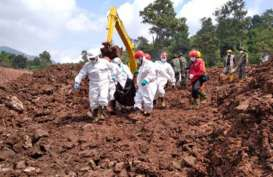 Tim SAR Gabung Kembali Cari 19 Korban yang Masih Tertimbun Longsor di Sumedang