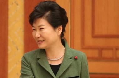 Terbukti Korupsi, Eks Presiden Korsel Park Geun-hye Dibui 20 Tahun