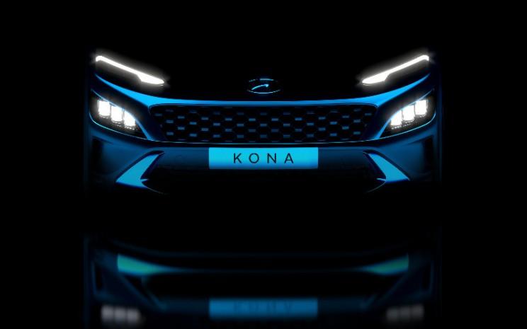 Kona EV merupakan mobil listrik jenis sport utility vehicle (SUV) yang bermain di segmen subkompak. Versi bensinnya sudah dijual di Indonesia sejak tahun lalu. - Hyundai