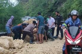 Risma Kirim Bantuan bagi Korban Gempa Majene dan Mamuju…