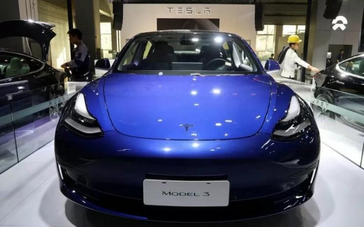Tesla Model 3. Pemesanan untuk mobil Tesla di India mulai dibuka pada Januari 2021.  - Antara/Reuters