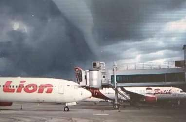 Fenomena Awan Mirip Gelombang Tinggi Muncul di Bandara Yogyakarta