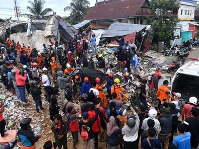Tim SAR Gabungan Masih Mencari Korban Gempa Bumi di Mamuju
