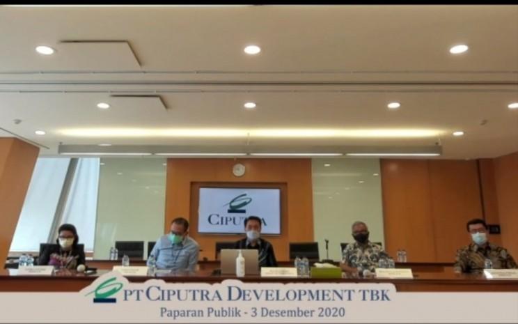 Jajaran direksii PT Ciputra Development Tbk. memberikan paparan saat public expose virtual, Kamis (3/12/2020). - Yanita Petriella